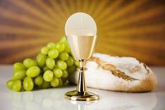 Symbol des heiligen Abendmahl des Brotes und des Weins, des Messkelches und des Wirtes, erster comm lizenzfreie stockbilder