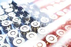 Symbol för dag för veteran` s med kulor & amerikanska flaggan Arkivbild