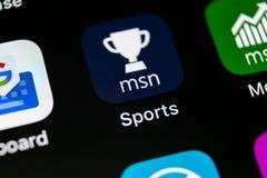 Symbol för Microsoft MSN sportapplikation på närbild för skärm för Apple iPhone X Symbol för app för Microsoft msnsportar Microso Arkivfoto