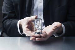 Symbol fachowy ostateczny termin w biznesmen rękach Fotografia Royalty Free