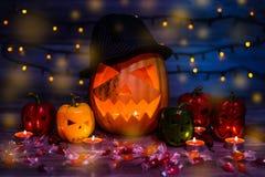 Symbol Halloween w kapeluszu Straszna bania na okno z Fri obraz royalty free