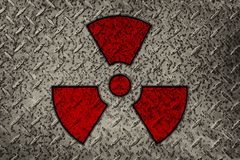 Symbol-Radioaktivität auf dem metallischen Hintergrund stockfoto