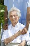 Symbol wygoda i poparcie od opieka dawcy senior obrazy royalty free