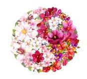 Symbol Yin Yang mit Blumen watercolor Lizenzfreie Stockfotos
