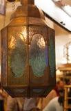 Symbole accrochant de lanterne de lampe de lumière de tradition orientale arabe classique de vintage de l'Islam ramadhan photographie stock libre de droits
