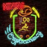 Symbole au néon d'or de bitcoin d'isolement sur le fond noir Argent de Digital, concept de technologie minière Images libres de droits