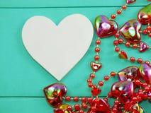 Symbole blanc et décoration de forme de coeur Photos libres de droits