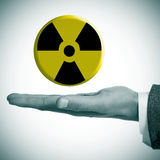 Symbole d'avertissement de rayonnement Photos stock