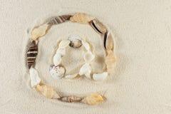 Symbole d'email fait de seashells image libre de droits