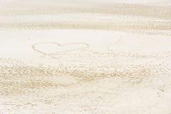 Symbole de coeur sur la plage Image libre de droits