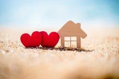 Symbole de maison et d'amour Photos stock