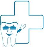 Symbole dentaire de clinique avec la dent de sourire Photographie stock