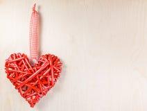 Symbole en bois décoratif de coeur Images libres de droits
