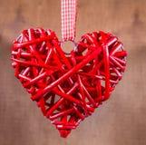 Symbole en bois décoratif de coeur Photo stock