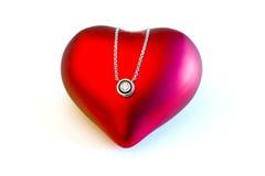 Symbole pendant Valentine d'amour de coeur d'or de diamant Photographie stock libre de droits