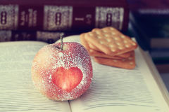Symbole Romance de coeur de pomme Photo stock