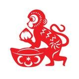 Symbole rouge de zodiaque de singe de coupe de papier (singe tenant la pêche et l'argent antique chinois) Photo libre de droits