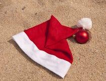 Symbole von Weihnachten für Ferien in den Tropen Stockfotografie