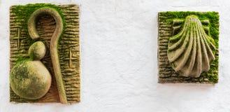 Symbolen van de weg van Santiago royalty-vrije stock fotografie