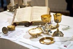 Symbolen van godsdienst: brood en wijn Royalty-vrije Stock Foto's