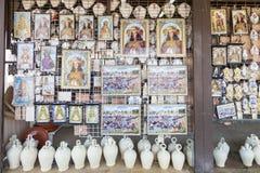 Symboler av Madonna som är till salu i El Rocio, Spanien Royaltyfria Bilder