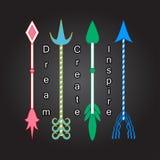 Symboler för beståndsdelar för konst fyra för färgrika pilar stam- fyra Motivational ord för pilinspirationcitationstecken Royaltyfri Foto