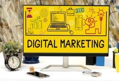 Symboler för Digital marknadsföringsteckning på kontorstabelldatoren Royaltyfri Bild
