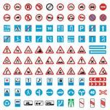 Symboler för trafikvägmärkesamling ställde in, plan stil royaltyfria foton