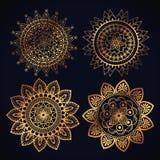 Symboler för uppsättning för mandala för Boho stil guld- Royaltyfri Bild