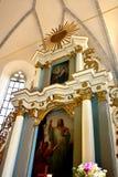 Symboler i den medeltida stärkte kyrkliga Saschizen Keisd, Transylvania Royaltyfri Bild