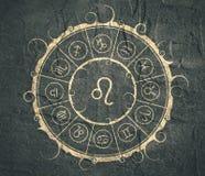 Symboles d'astrologie en cercle Signe de lion Image libre de droits