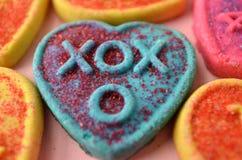Symboles de jour de valentines de biscuit de forme de coeur de l'amour Photos stock
