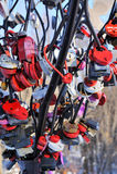 Symbolischer Baum der Liebe mit mehrfarbigem Verschlussgetreidespeicher Lizenzfreies Stockbild