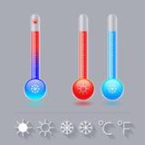 Symbolstermometeruppsättning, förkylning som, är varma, och solsnöflingan, celsiust och Fahrenheit Royaltyfria Bilder