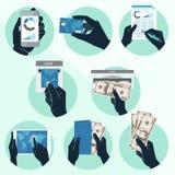 Symbolsuppsättning med händer som rymmer kreditkorten, smartphonen, pengar och nolla Royaltyfria Bilder