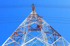 Symetria wysoki woltażu zasilania elektrycznego linii wierza metalu structu Zdjęcia Stock