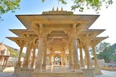Symetryczny widok na cenotaph, Królewski Gaitor, Jaipur, Rajasthan zdjęcia royalty free