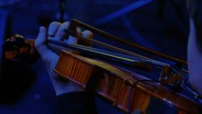 Symfonicznej orkiestry wiolonczelowa sztuka w wielkiej sala zbiory wideo