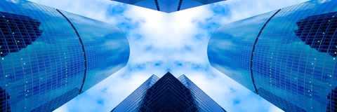 Symmetric business skyscrapers Royalty Free Stock Photos