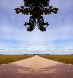 Symmetrical countryside road composition Royalty Free Stock Photography