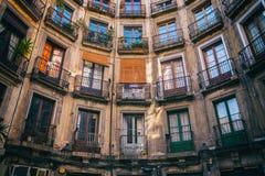Symmetrie van oud flatgebouw in Barcelona Royalty-vrije Stock Afbeelding