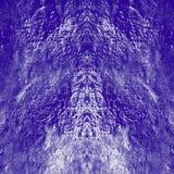 Symmetrische dunkle purpurrote Beschaffenheit des Schmutzes vertikal Dunkelheit verwittertes überlagertes Muster auf quadratische stockfotografie