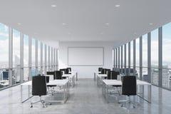 Symmetrische Unternehmensarbeitsplätze ausgerüstet durch moderne Laptops in einem modernen panoramischen Büro in New York City stock abbildung