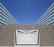 symmetrisk arkitektonisk valvgång royaltyfri fotografi