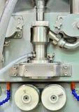 Symmetrisk bild av detaljen för fabriks- utrustning Royaltyfria Foton