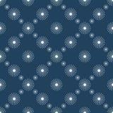 Symmetrisk blå bakgrund för säsongsbetonad vinter med snöflingor Royaltyfria Bilder