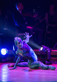Symphonica -与音乐由Metallica,涅磐,珍珠果酱乐队,深紫, AC/DC的多媒体景象,开枪N'Roses, Aerosmith, 图库摄影