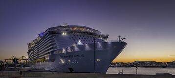 Free `Symphony Of The Seas` The Biggest Cruise Ship Built In The Port Of Malaga At Dusk Royalty Free Stock Images - 209672629
