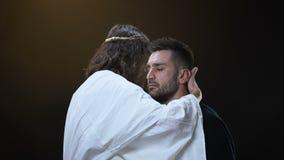 Syn boga przytulenia płaczu samiec, grzechu przebaczenie, duszy salwowanie, religijna miłość zbiory