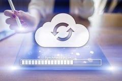 Synchronisation de nuage, stockage de donn?es, Internet et concept de calcul sur l'?cran virtuel illustration de vecteur